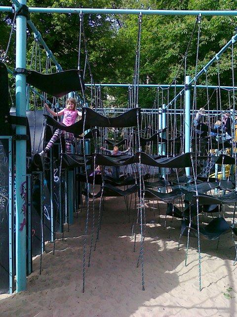 Детские площадки со всего мира. Часть 5. Коллекция из разных стран